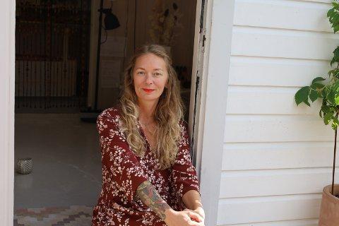 NOE NYTT: – Når jeg står i blomsterbutikk åtte timer hver dag, bruker jeg energien min på en veldig dårlig måte, forteller Jenny Camilla Johansen.