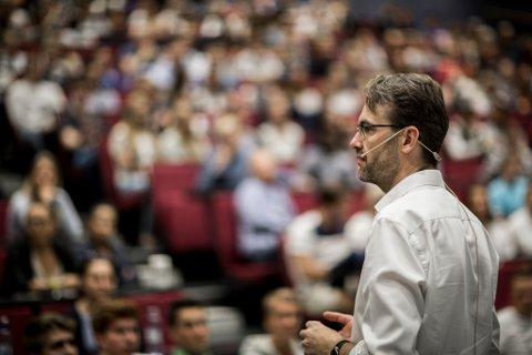 Høyskolelektor Tor Haugnes hos Handelshøyskolen BI frykter at fokuset på vekstbedrifter går på bekostning av oppmerksomheten de andre bedriftene får.