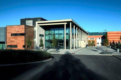 EKSTRA PENGER: KrF vil foreslå mer penger til Høgskolen i Sørøst-Norge når det skal forhandles om statsbudsjettet.