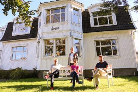 Det ligger en helt bevisst tankegang bak hvilke bedrifter som får innpass i Lemon-villaen på Teie. F.v.: Rune Sigurdsen, salgssjef i Light House, Petter Bordal, daglig leder i Lemon, Rita Hagen i Time4, og Morten Bechmann, daglig leder i Nitton93.