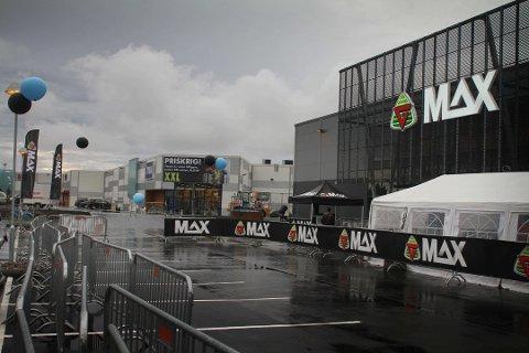 PÅ VEI TIL TØNSBERG: G-Max leter etter lokaler for å etablere seg i Tønsberg. Bildet er fra åpningen i Moss i 2012, hvor de plasserte seg rett ved siden av konkurrenten XXL.