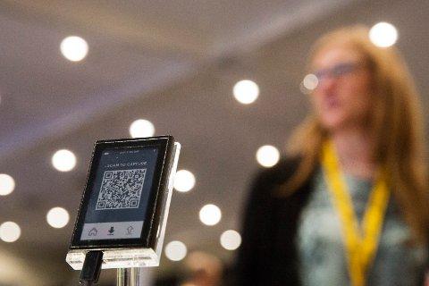 MOBIL LOMMEBOK: En virtuell lommebok med QR-kode er hva som skal til for å handle med Bitcoins.