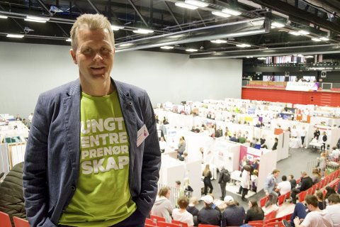 Motivasjon: Thomas Heggertveit, daglig leder i Ungt Entreprenørskap i Vestfold, mener elevbedriftene gjør elevene motiverte og bidrar til selvutvikling.