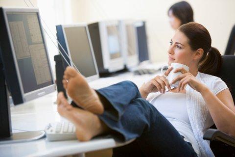 EFFEKTIV VS INEFFEKTIV: Noen mennesker jobber mer konsentrert enn andre, og får dermed mer tid til avslapping. Illustrasjonsfoto.
