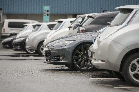 I 2016 har salget av elbiler stagnert.