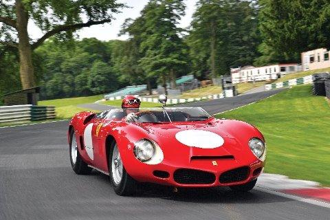 Ferrari begynte for første gang å eksperimentere med midtmonterte motorer i 268 SP.
