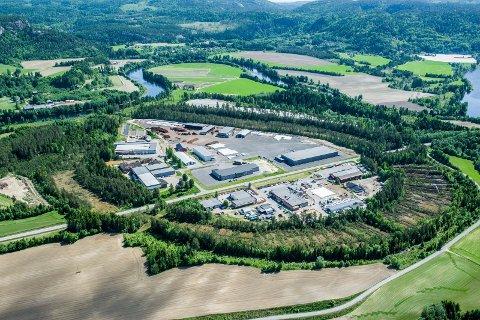 Berganmoen: Lardals største industriområde ligger omkranset av naturfenomenet Kringlemyr. Utvidelsen av området skjer i det nordøstre området.