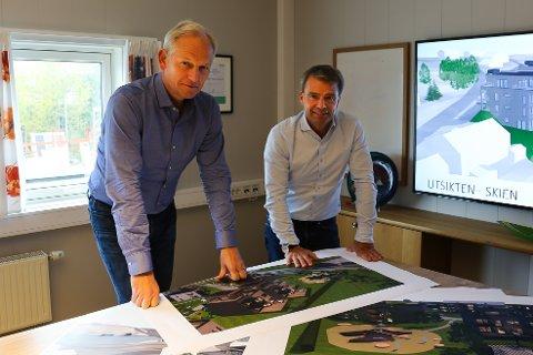 SATSER: Thomas Beck og Kjell Åge Bach i Skagerak Eiendom planlegger å utvikle flere boligområder i Larvik, Sandefjord og Skien.