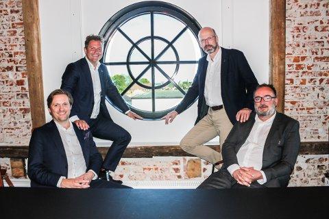 Framtiden er lys: ABAX ble akkurat solgt for 1,8 milliarder til Investcorp. Men mulighetene er store for nye suksesser i framtiden for Larvik-selskapet. På bildet fire av gründerne Bjørn Erik Brandsæther Helgeland, Petter Quinsgaard, Håkon Grønn-Weiss og Jan Tore Solli Berg.