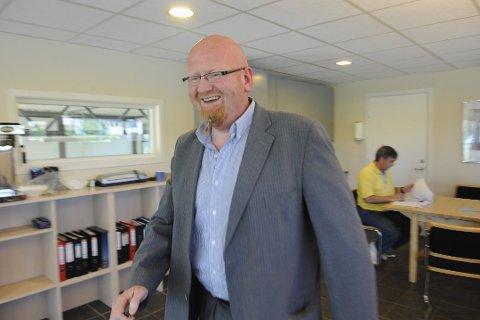 TILBAKEVISER: – Vi dumper ikke priser, vi tar reell pris for de tjenestene bilforhandleren får, satt opp mot det de bidrar med i opplæringsprosessen, skriver Robert Tostrup.