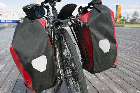 (Bilde 2) HENG LAVT: Lave sykkelvesker er bra for balansen og konforten mens man sykler. Foto: Axel Sandberg  FOTO:  /