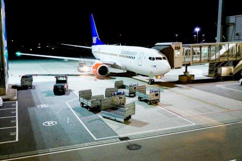 Et SAS-fly ved gaten på Oslo lufthavn. Alle norske SAS-flygere streiker fra og med torsdag etter at det ble brudd i meklingen.