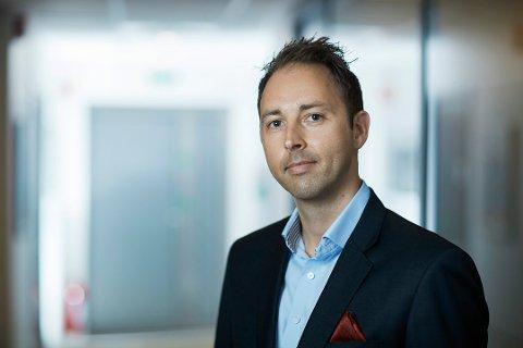 VÅRRENGJØRING: Personvernekspert Henrik Dagestad anbefaler alle virksomheter å ta en skikkelig vårrengjøring og kvitte seg med data man ikke har rettslig grunnlag for å behandle. Foto: Pressebilde/ANB