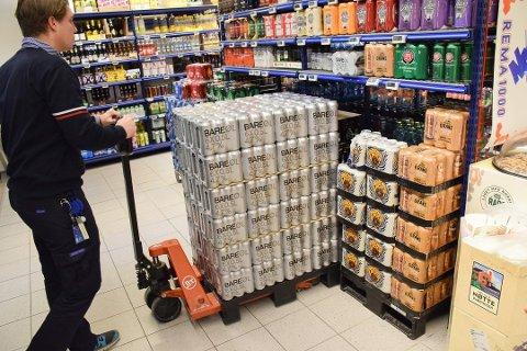 UTSOLGT: Det har blitt solgt mer Bare øl fra Grans enn forventet i påsken. Nå skal det være tomt i hyllene hos enkelte butikker.
