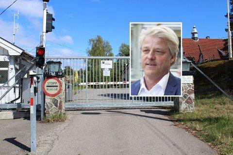 TENKER HØYT: Investor Asbjørn Abrahamsen synes Mågerø kunne være et passende sted for en demenslandsby.