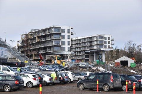STORE PLANER: Det har vært en enorm byggeboom på OCC de siste årene, og byggingen vil fortsette enda et par år framover.
