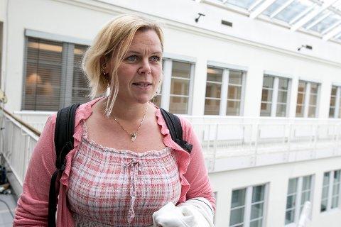 STREIKER: Leder i SAFE Hilde-Marit Rysst ankommer Riksmeklingsmannens kontor før streiken er et faktum. Foto: Audun Braastad / NTB scanpix