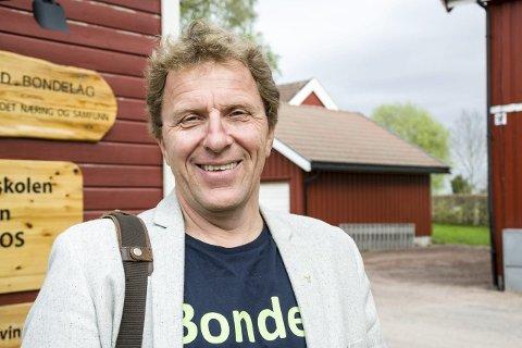 Leder: Thorleif Müller er leder i Vestfold bondelag. Han er ikke kjent med brudd på reglementet hos noen av sine medlemmer, og har god tro på at bønder som produserer jordbær i Vestfold er flinke til å følge reglene.