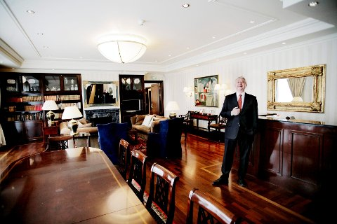 FRA EIDSFOSS: Jan E. Rivelsrud (78) har ifølge Kapitals liste en formue på 4 milliarder kroner. Det plasserer ham øverst på Vestfold-lista. Etter at han solgte Rica-kjeden i 2014, konsentrerer Rivelsrud seg i følge Kapital nå  om utvikling og utleie av hotell- og forretningseiendommer i det nordiske markedet gjennom familiens heleide selskap Rica Eiendom Holding.