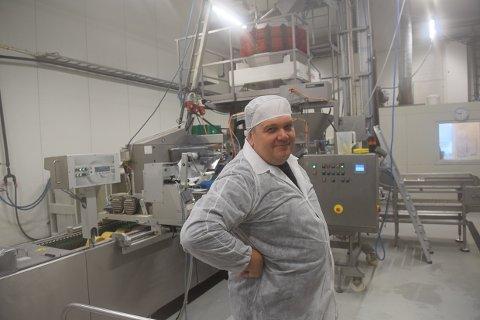 OMFANGSRIKT: Grønt Partner AS, og produksjonssjef Erik Ragnhildrød, driver en omfangsrik virksomhet innen langtidsholdbare frukt-, potet og grønnsaksprodukter.
