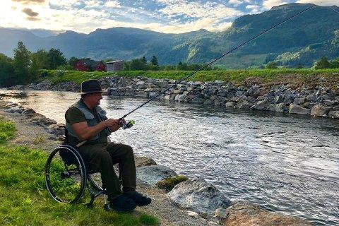 FISKEPLASSER: Leif Arild Fjellheim er selv rullestolbruker og har jobbet med kartleggingen i Rogaland