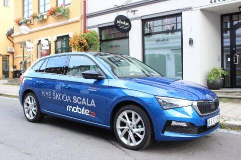 STOR FOR KLASSEN: Nye Skoda Scala er i utgangspunktet en småbil rent konstruksjonsmessig, men konkurrerer mot modeller i Golf-klassen på plass og teknologi.