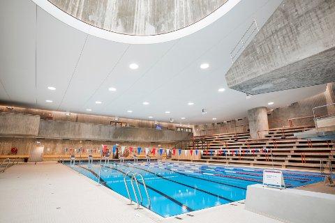 TOTALRENOVERING: Svømmehallen har fått nytt stålbasseng, nye gulv og ny himling.