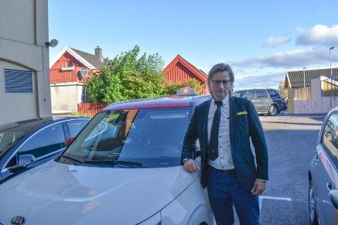 FULL STOPP: Da næringslivet begynte å slite, gikk det ikke lang tid før Ferder Taxi også begynte å kjenne konsekvensene. Nå ser styreleder Per-Morten Danielsen framover med optimisme.