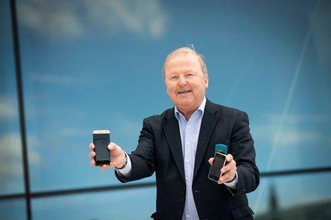 GJENBRUK: Øistein Eriksen vil pusse opp telefoner som noen har hatt før, og leie dem ut til sine kunder.
