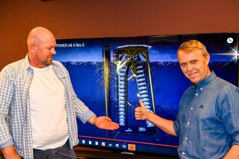 OFFENTLIGGJØR: Tom Holbein hjelper til når Bendik Bø går offentlig ut med sin oppfinnelse som kan bli et energieventyr fra Larvik og ut i verden.