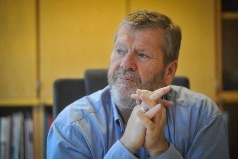 SER FREM TIL FOLKEMØTE: Ordfører Tom Anders Ludvigsen vil stille på folkemøtet 22. august. Da skal trafikkløsninger for jernbanebroen i Vestby kommune diskuteres.