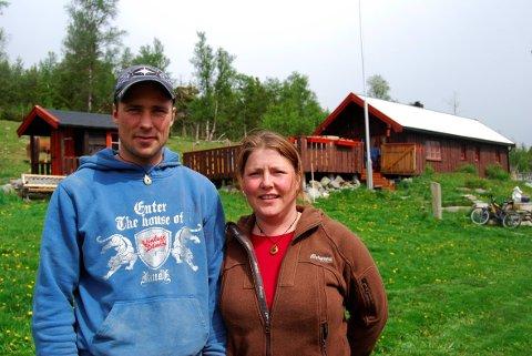Anne Margrethe og og Morten Sæterhaug driver Kvistli islandshester i Folldal.