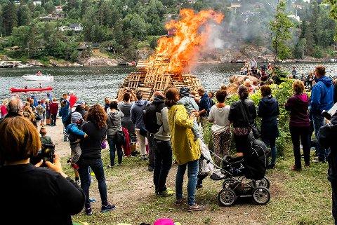 FEST UTEN ILD?: Årets sankthansfeiring på Breivoll kan bli uten det tradisjonelle bålet.