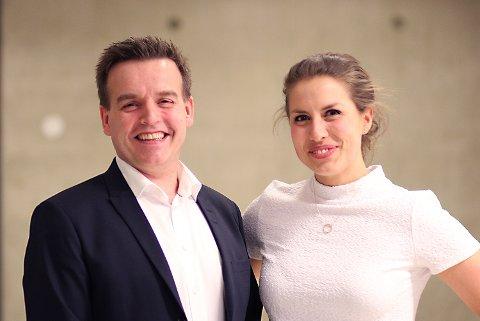 SJEFEN OG VIKAREN: Her er Adeccos konsernsjef Torben Sneve sammen med sin vikar, Nina Heir, etter finalen torsdag.