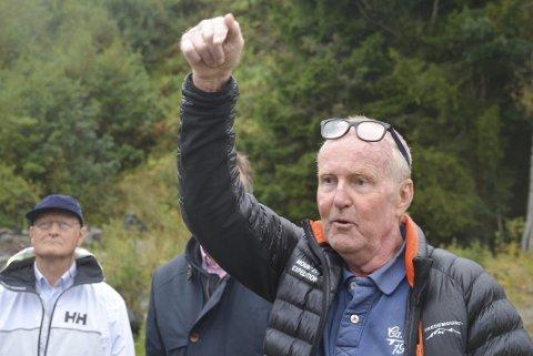 TRUET MED RETTSSAK: Tormod Svennevig under formannskapets befaring på Hestemyr denne uken. Foto: Hans Petter Bjerva