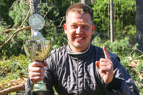 TIL TOPPS: Robin Slåttekjær vant de to første NM-rundene i bakkeløp i Lillehammer i helgen.