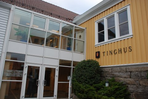 Lister tingrett har tinghus på Gåseholmen i Farsund
