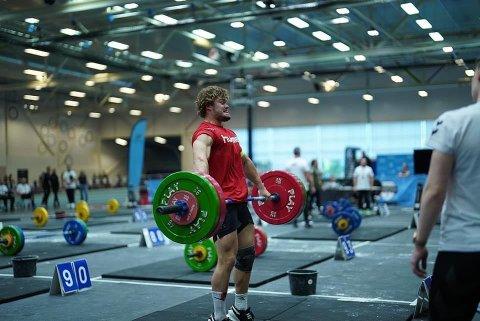 TUNGT: Jonas Svege fra Flekkefjord løftet tungt nok, så tungt at han vant gull i sin klasse.