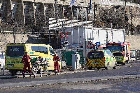 FULL UTRYKNING: Samtlige nødetater rykket ut til Sjursøya-området fredag ettermiddag.