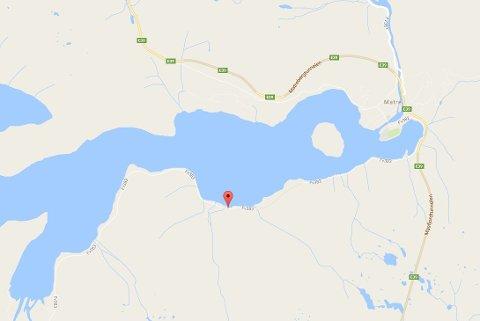 Steinraset har gått rett etter Trysdaltunnelen på fylkesveg 383 i retning Haugsdal. Kart: Google Maps