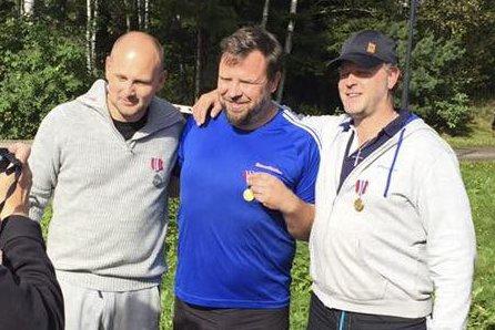 1.-plass: Endre Reigstad (midten) tok sigeren i sin klasse.