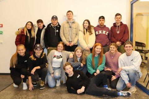 Her er gjengen av ungdommar som skal arrangere UKM i Nordhordland i mars.
