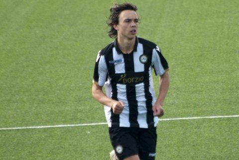 Martin Palumbo får trena med A-laget til Udinese og er sett på som eit stort talent. Han har aldersbestemte landskampar både for Noreg og Italia.