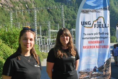 Anna Midtgård Matre og Torhild Andvik i Ung for fjella håpar dei greier å stoppe utbygging av vindmøller i regionen.