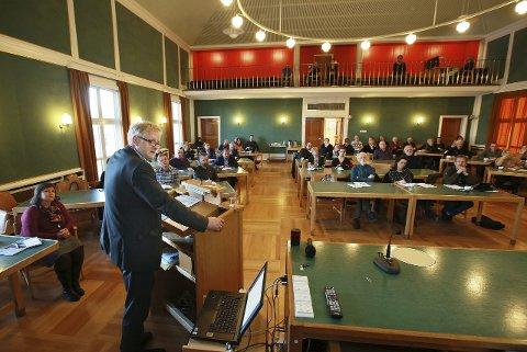 Bystyret: Stormens øverste ledelse mener de ikke har blitt godt nok informenrt av råådmann Rolf Kåre Jensen. Nå skal kontrollutvalget gjennomgå moms-saken.