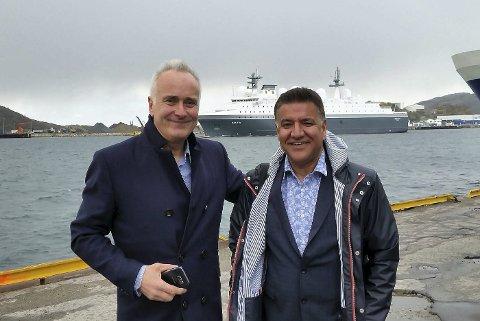 Takker: Daglig leder Morten Larsos i Norsk Megling & Auksjon AS takker for handelen etter å ha solgt et supplyskip og en hurtigbåt til Iran.  Foto: Privat