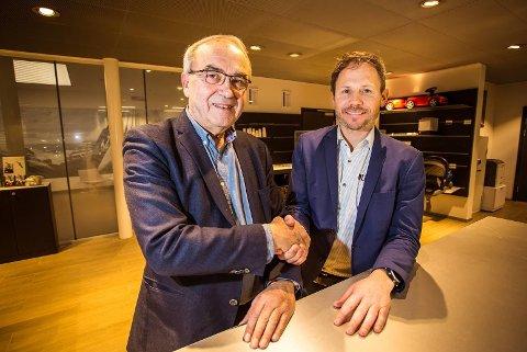 Konsernsjef Arvid Sulland i Sulland Gruppen og daglig leder Jan Hugo Svendsen i Bil i Nord er svært fornøyd med avtalen om at Sulland Gruppen overtar BMW-agenturet i Nordland og Troms.