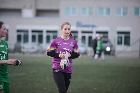 Treningskamp i fotball på Aspmyra kunstgress  Grand 2 - Innstranden 4-1  Tonje Alexandra Eide  Foto: Stian Høgland