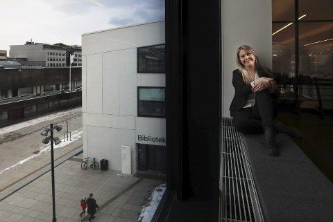 På plass: Torsdag åpnet Bylab Bodø i Stormen. Prosjektleder Marianne Bahr Simonsen håper alle bodøværinger benytter sjansen til å fortelle hvordan de vil at nye Bodø skal formes.