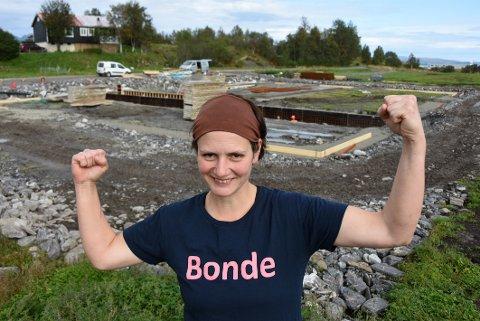 Gilrpower: Marita Helskog gleder seg over at arbeidet på den 1100 kvadratmeter store driftsbygningen er kommet i gang.